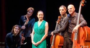 Maddalena Crippa e gli altri protagonisti dello spettacolo