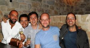 """Michele Carta (a sinistra) assieme al fratello Lorenzo, veterinario, e ad alcuni amici de """"Le canale"""""""