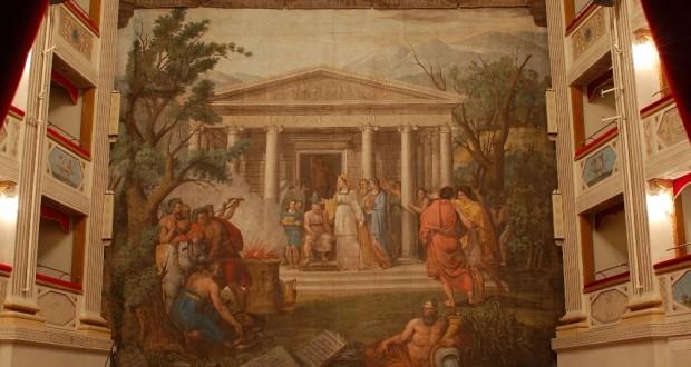 Il sipario del teatro Feronia