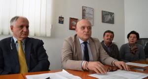 Un momento della conferenza stampa: a sinistra Bordoni e al centro Gigliucci