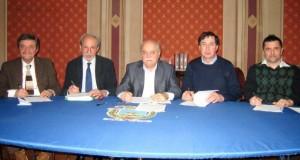 Il tavolo della firma in Provincia
