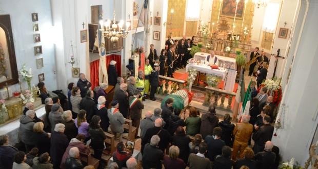 Le esequie di Bruno Taborro nella chiesa di Stigliano