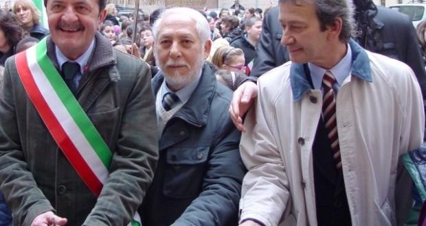 Il presidente Giovanni Florio (al centro) in occasione di una cerimonia inaugurale