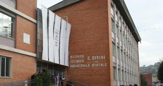 """L'Itis """"Divini"""": presto la nuova scuola"""