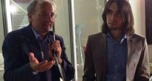 Il prof. Massimo Ciambotti assieme al vincitore del Premio di poesia