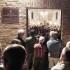 Pubblico fino all'esterno della chiesa della Pieve