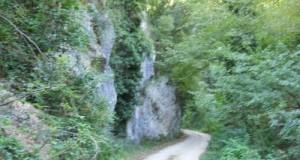Uno dei sentieri lungo la Valle dei Grilli