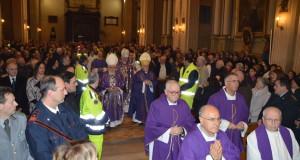La cattedrale di Sant'Agostino gremita di fedeli
