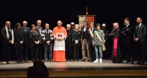 Il cardinale Menichelli riceve le Chiavi della città