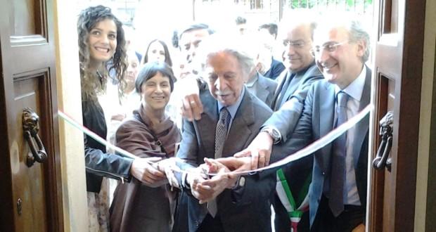 Il taglio del nastro da parte di Luciano Gregoretti e Massimo Ciambotti