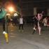 Partenza di una battteria della corsa con i trampoli