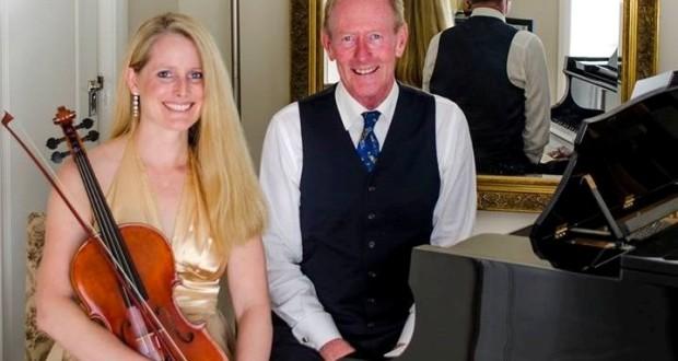 Michelle Urquhart, alla viola, e Keith Mitchell, al pianoforte