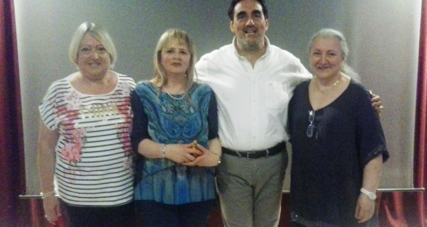 Da sinistra: Roberta Marini, Claudia Guadagnoli, il preside Sandro Luciani e Luisa Piermarini