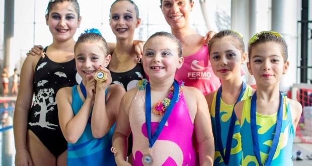Le ragazze del nuoto sincronizzato