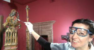 Ann a Filumeni in azione sull'opera dell'Indivini