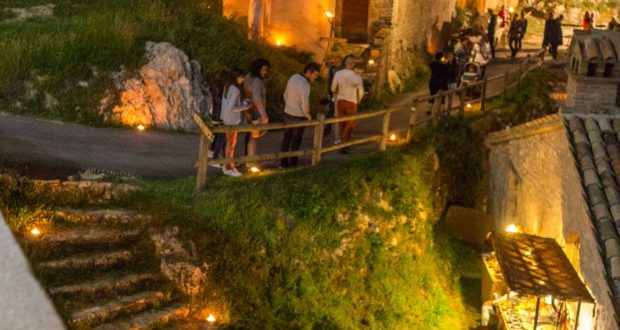 Ecco un angolo di Elcito sabato sera (foto di Luca Mengoni)