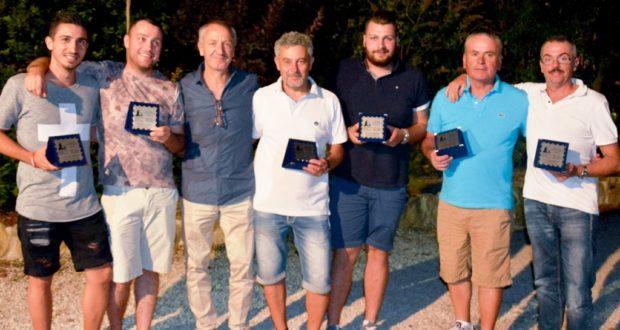 Il presidente Dignani e l'assessore Paoloni assieme ad alcuni protagonisti della stagione