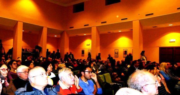 La platea affollata del cinema Italia