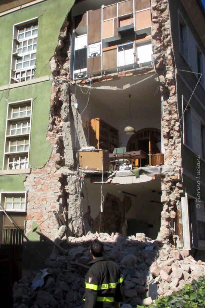 Strutture abitative emergenza scadenza il 16 gennaio il settempedano - Casa senza fondamenta terremoto ...