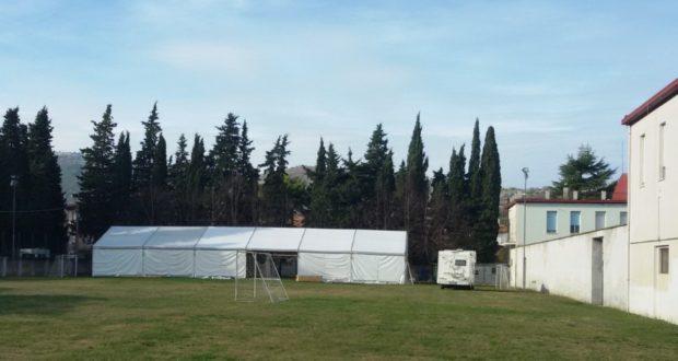 """La tensostruttura montata al campetto del """"Don Orione"""""""