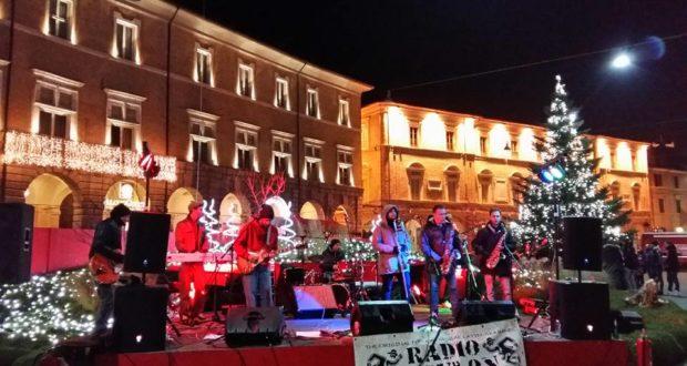 Lo spettacolo in piazza