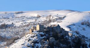 Elcito imbiancato dalla neve (foto di Claudio Scarponi)