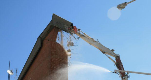 La demolizione dell'Itis