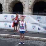 Gianni Mitillo davanti al Colosseo