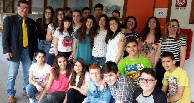 Gli alunni della 3^ C assieme ai docenti Muscolini e De Felice
