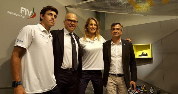 Oliviero Carducci assieme agli atleti Flavia Tartaglini e Mattia Camboni