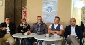Tiziana Gazzellini al tavolo della conferenza stampa