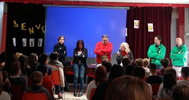 L'incontro con gli alunni della scuola media