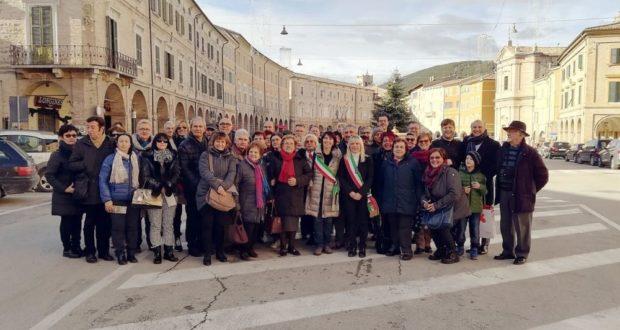 Incontro con la delegazione in piazza
