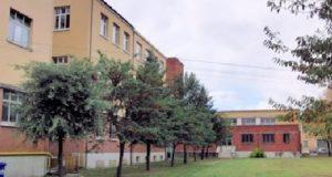 """Il cortile interno della scuola """"Luzio"""""""
