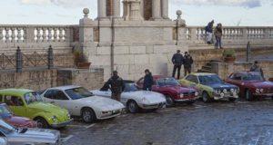 Le auto in Piazza della Repubblica a Treia