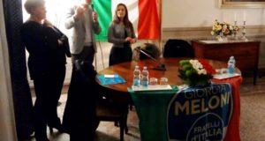 Tiziana Gazzellini con il neo eletto parlamentare Acquaroli, giunto a San Severino durante la campagna elettorale