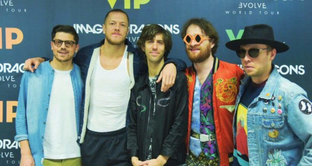 Valerio Scarponi con gli Imagine Dragons