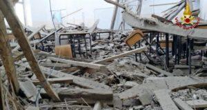 Il tetto crollato all'Itis di Fermo