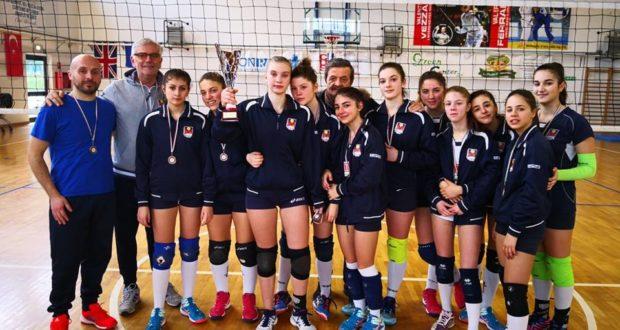 Il gruppo dell'Under 16 femminile
