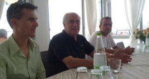 Pietro Pavoni accanto al sindaco di Porto Recanati per la presentazione del raduno