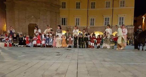 La partecipazione alla rievocazione storica del Palio dei castelli