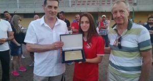 Il presidente Andrea Cruciani con Serena Ventura e l'assessore allo Sport, Paolo Paoloni