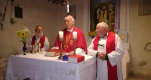 Il cardinal Menichelli con don Pacifico Marinà e fra Vittore Fiorini