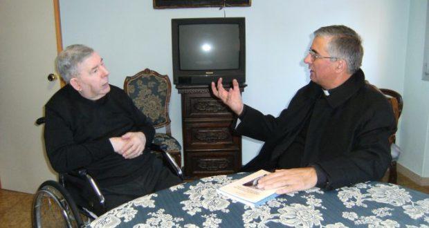 Don Alberto Crovetti e il vescovo Antonio Napolioni