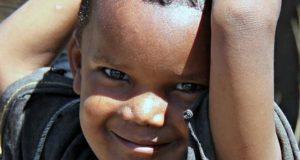 Il sorriso di un bambino etiope (foto di Claudio Scarponi)