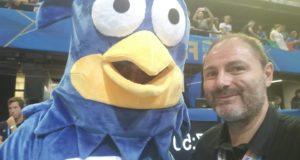 Roberto Taddei con la mascotte del Mondiale