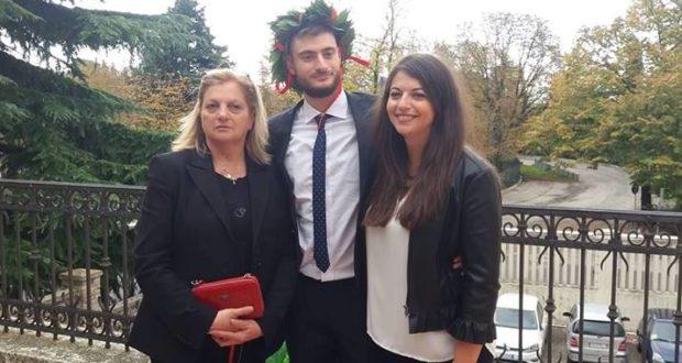 Nicola Barone con la mamma Rita e la sorella Michela