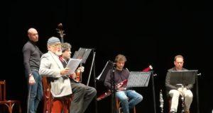 Moni Ovadia sul palco del Lauro Rossi