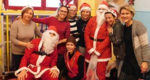 "Babbo Natale assieme alle educatrici del ""Nido"""