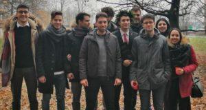 Ludovico Buttafuoco con i suoi amici dopo la laurea